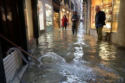 Emergenza acqua alta a Venezia: contattate i nostri uffici