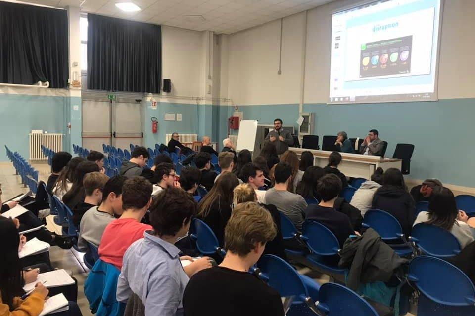 Mestre: studenti ed imprenditori a confronto al liceo scientifico Bruno
